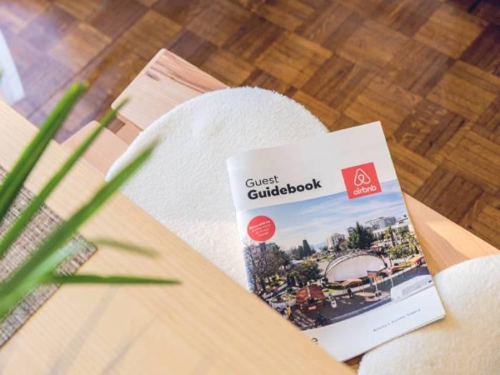 airbnb guest guidebook